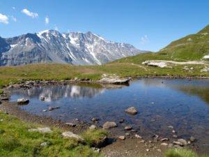 Lac de montagne dans le Parc de la Vanoise